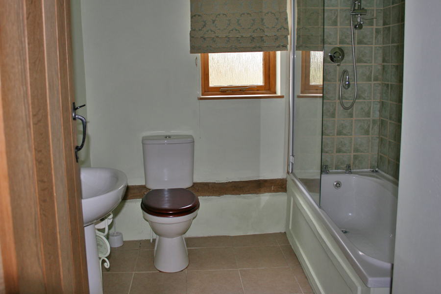Millers Cottage - Bathroom