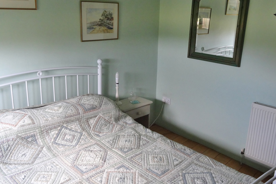 Pudding Cottage - Bedroom 1